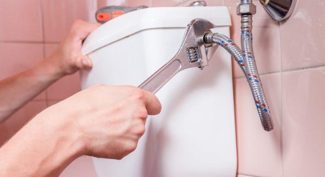 Comment éviter les fuites d'eau dans les toilettes ?